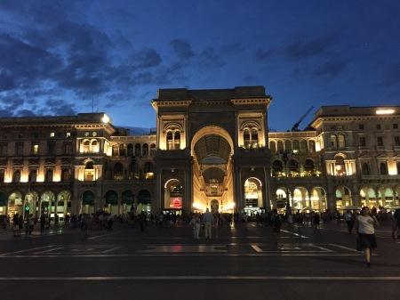 Piazza del Duomo Milano - La Galleria fotografata di notte